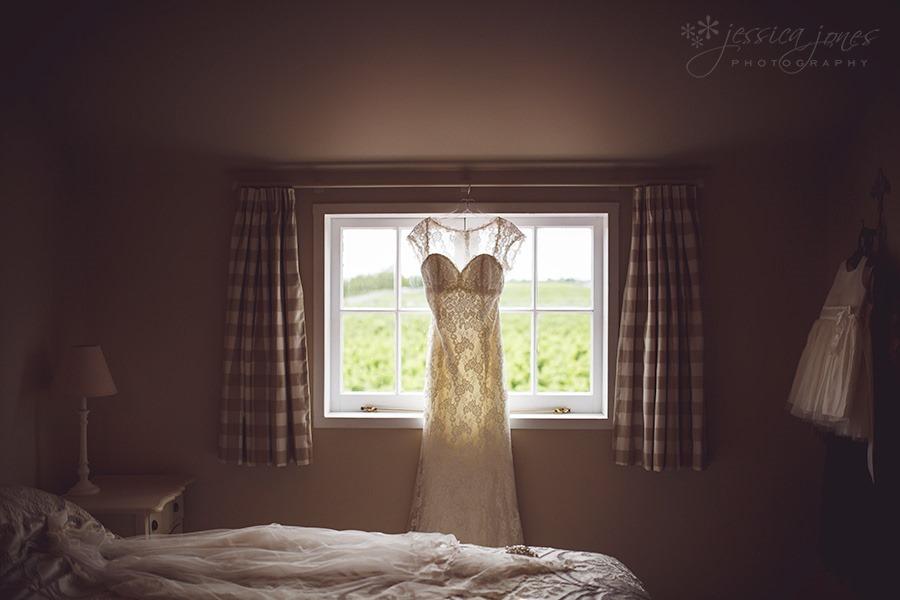 SarahNick_OldBarn_Wedding-001