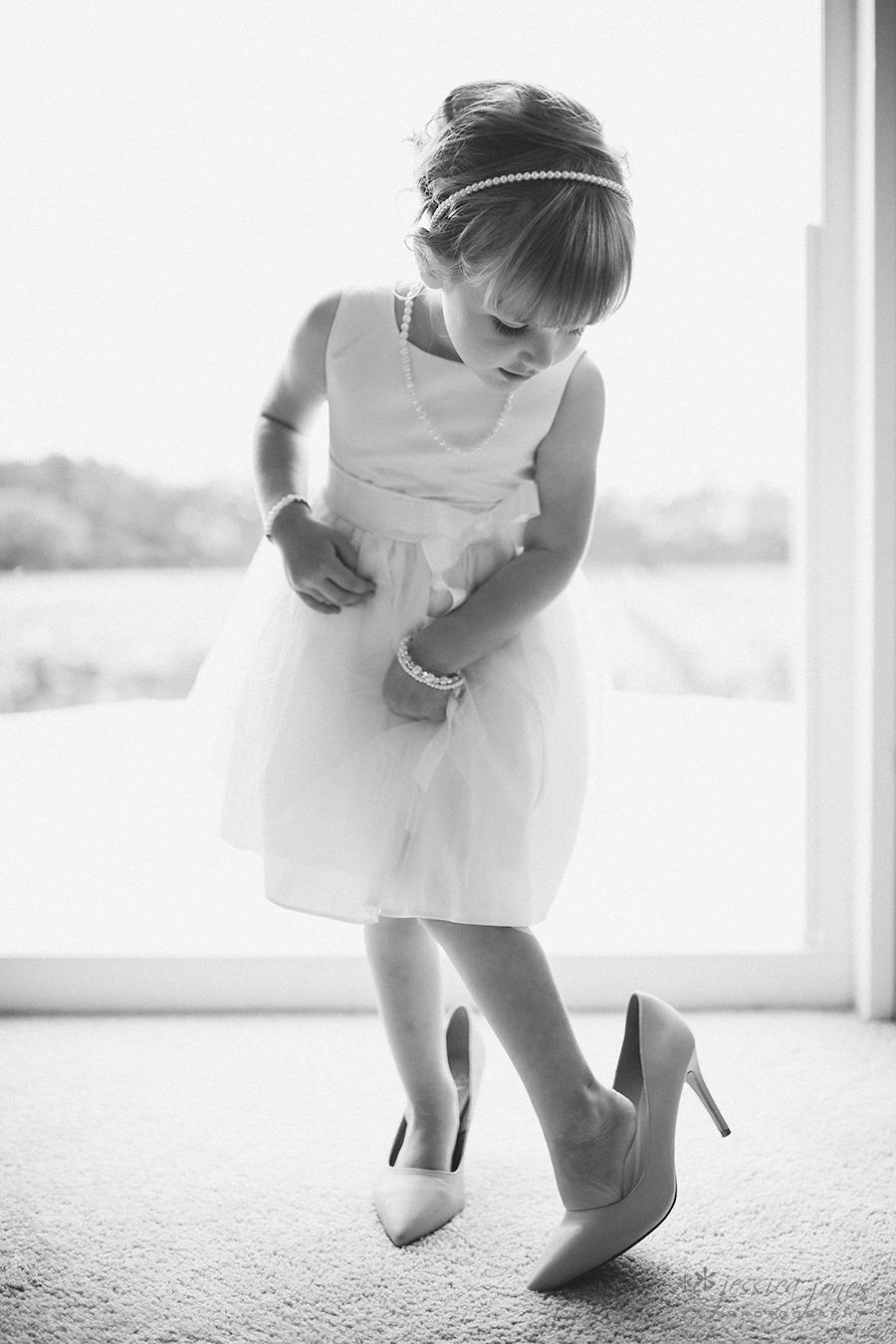 SarahNick_OldBarn_Wedding-011
