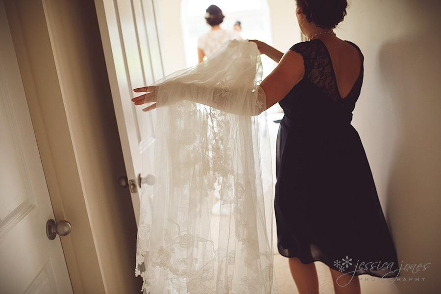 SarahNick_OldBarn_Wedding-014