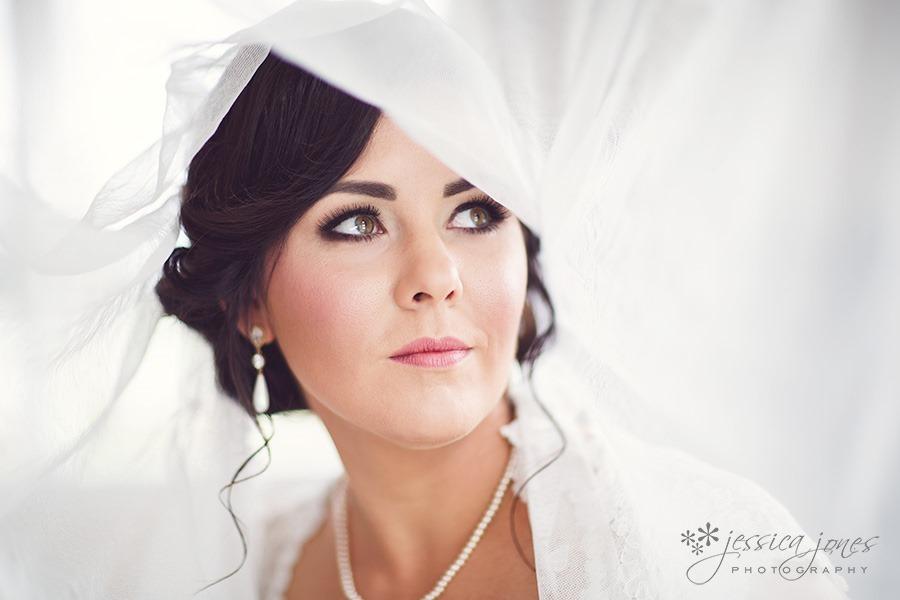 SarahNick_OldBarn_Wedding-016