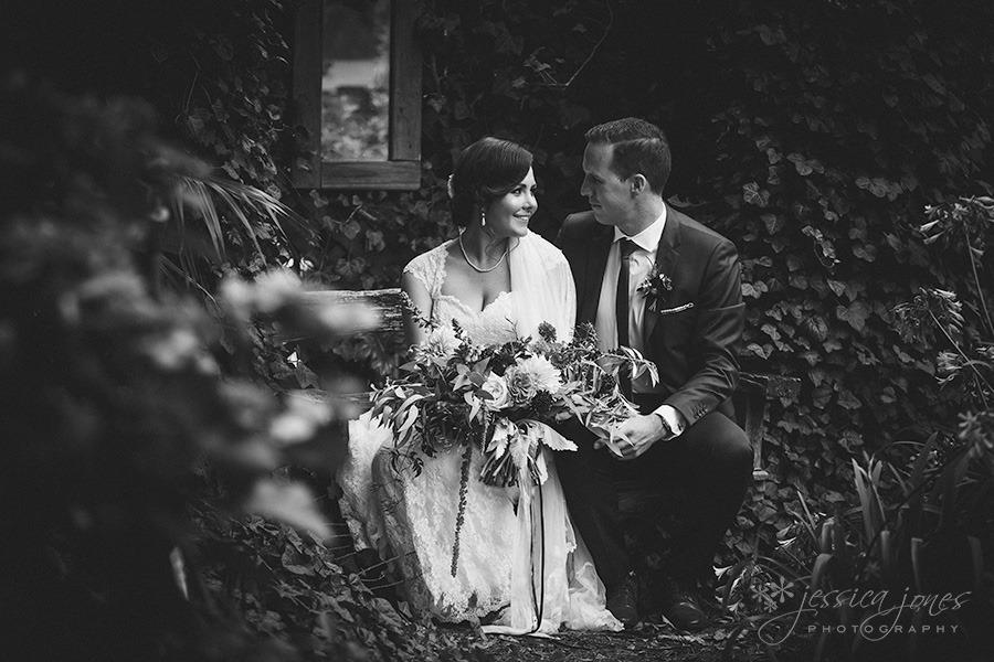 SarahNick_OldBarn_Wedding-035