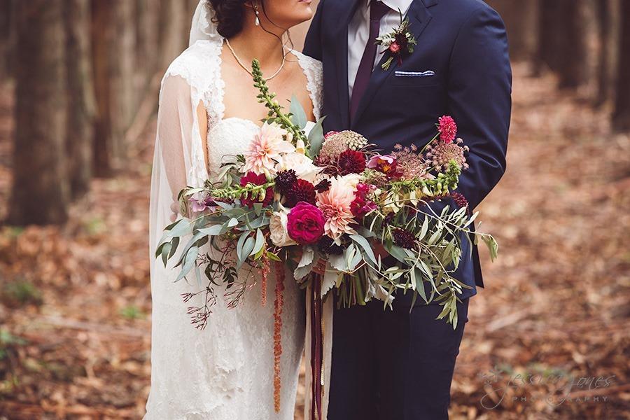SarahNick_OldBarn_Wedding-039