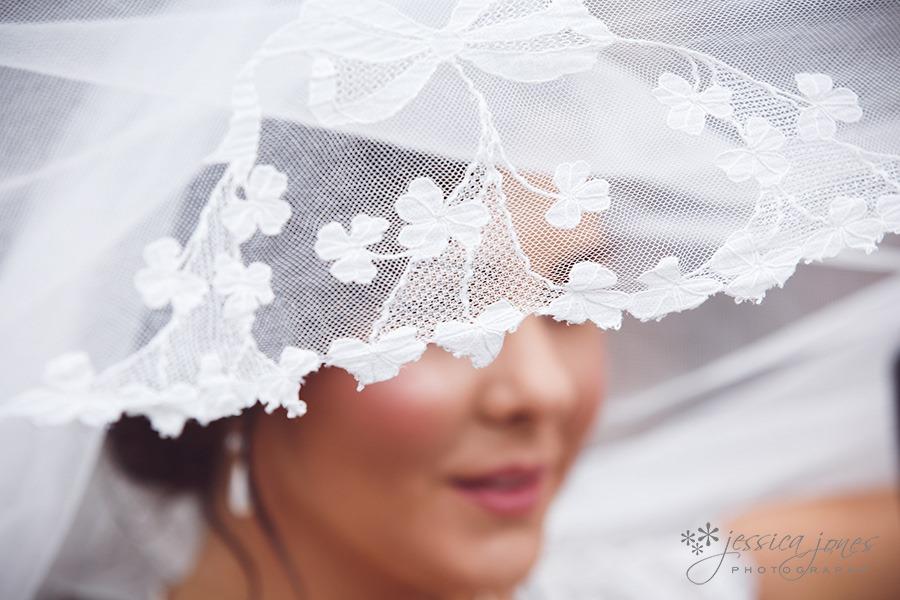 SarahNick_OldBarn_Wedding-041