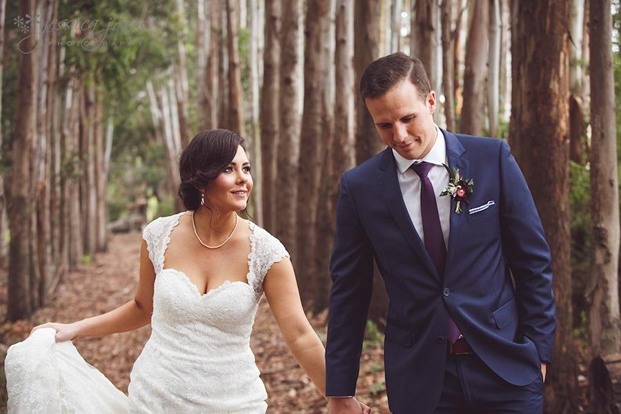 SarahNick_OldBarn_Wedding-043