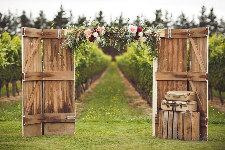 SarahNick_OldBarn_Wedding-046