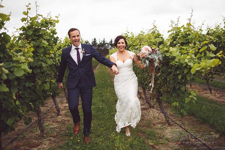 SarahNick_OldBarn_Wedding-071