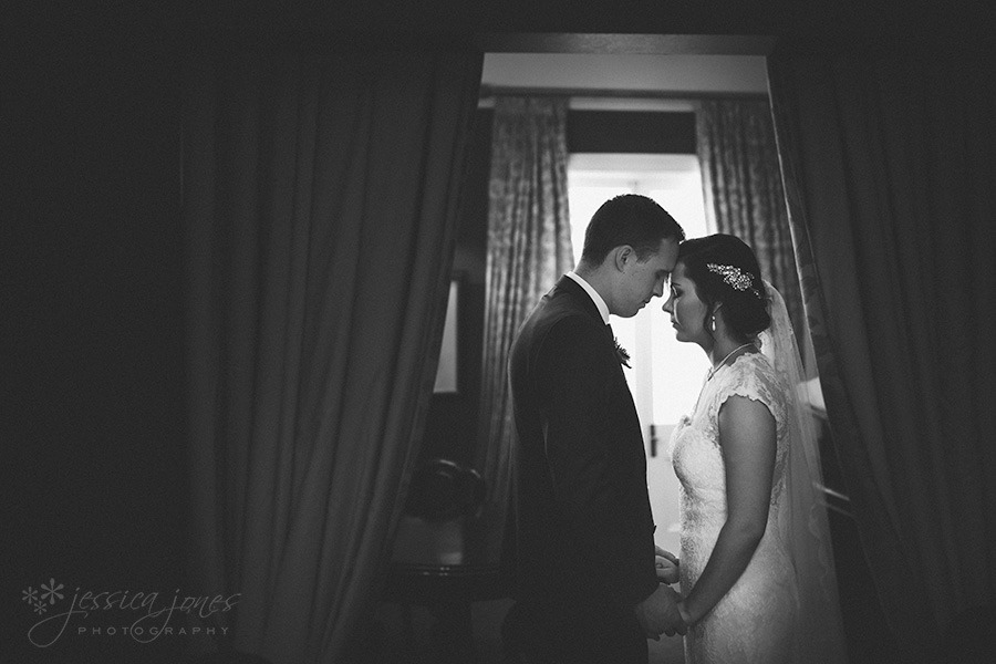 SarahNick_OldBarn_Wedding-037