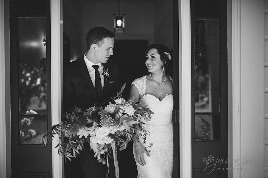 SarahNick_OldBarn_Wedding-038