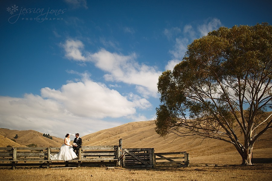 Sophie_Paul_Farm_Wedding_01
